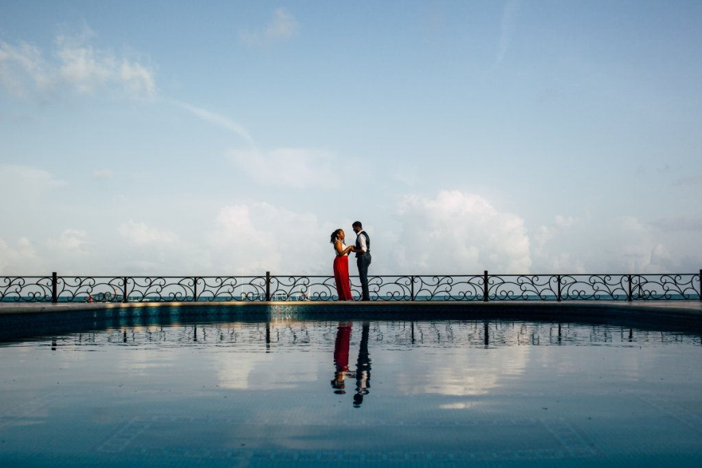 engagement couple cancun